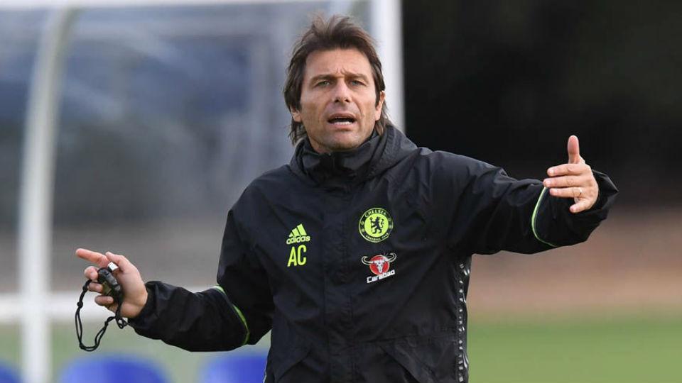 Conte sukses membangkitkan Chelsea dari keterpurukan musim lalu